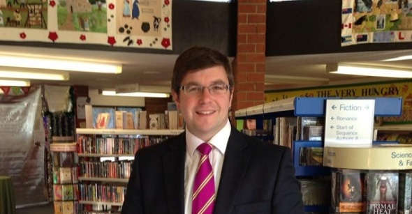 Andy at a surgery in Raunds library
